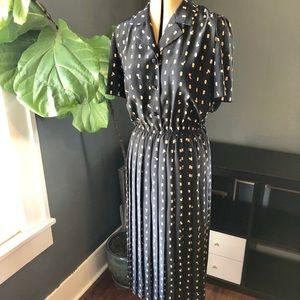 Vintage pleated collar midi dress
